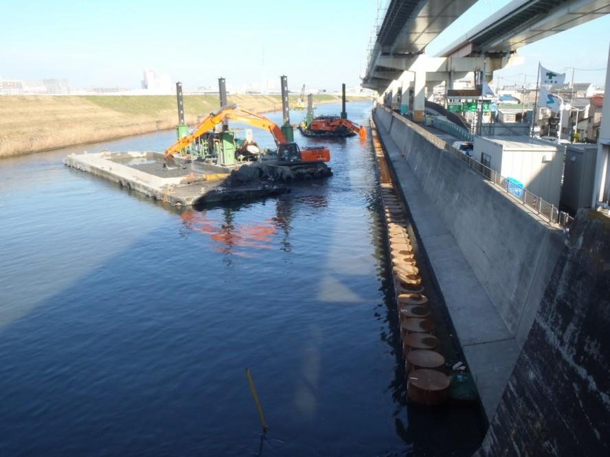 河床掘削工